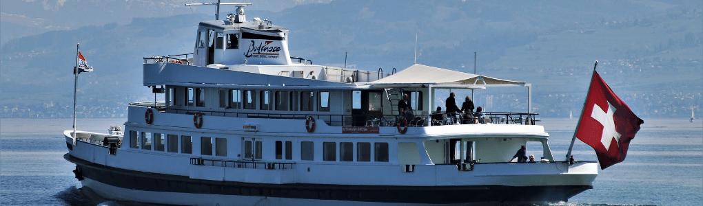 Dieses Gästehaus zeigt Schifffahrten.